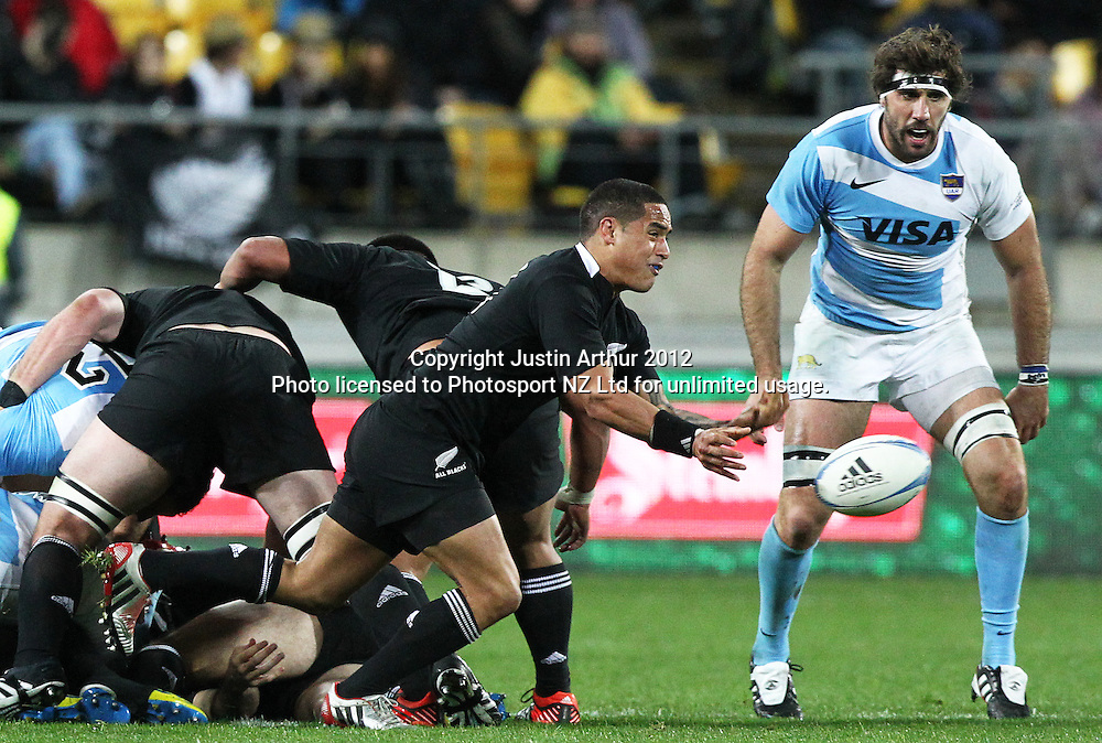 All Blacks' Aaron Smith during the Rugby Championship Union test match. All Blacks v Argentina at Westpac Stadium, Wellington, New Zealand on Saturday 8 September 2012. Photo: Justin Arthur / photosport.co.nz