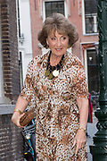 Prinses Margriet woont in de Pieterskerk in Leiden het galadiner bij van de The Netherland-America Foundation (NAF). Het doel van het galadiner is om fondsen te werven voor studiebeurzen en uitwisselingsprogramma's. <br /> <br /> Princess Margriet attends the Netherland-America Foundation (NAF) gala dinner in the Pieterskerk in Leiden. The purpose of the gala dinner is to raise funds for scholarships and exchange programs.