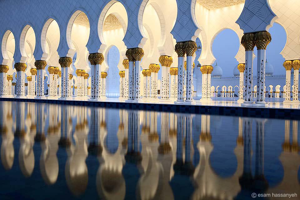 The stunning Sheikh Zayed Grand Mosque, Abu Dhabi