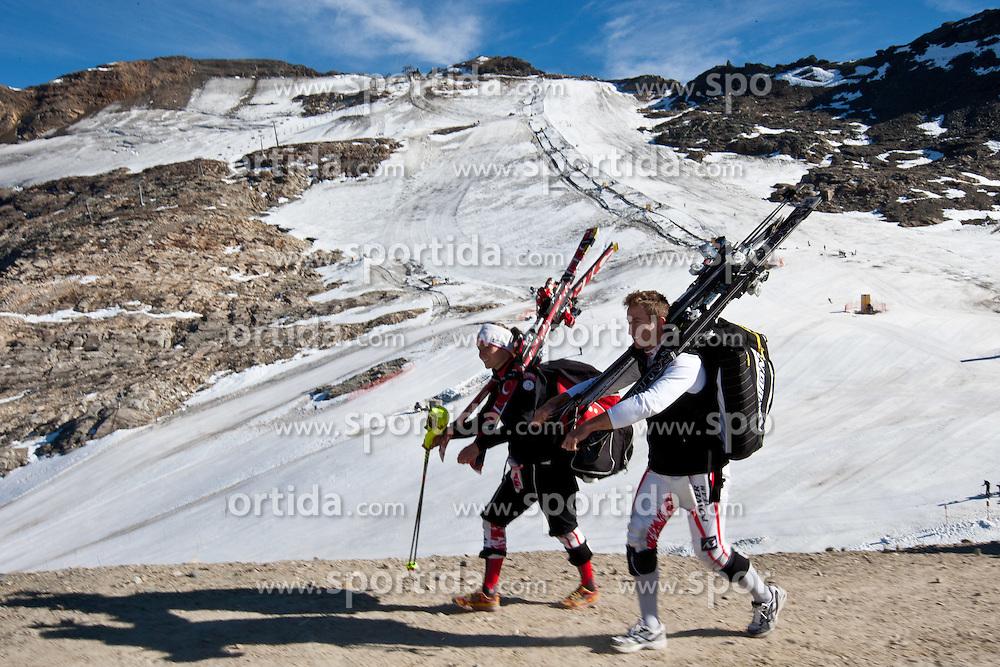 05.10.2011, Moelltaler Gletscher, Flattach, AUT, OeSV Medientag, im Bild Bernadett Schild und Marc Digruber // During media day of Austria Ski Federation OeSV at Moelltaler glacier in Flattach, Carinthia, Austria on 5/10/2011. EXPA Pictures © 2011, PhotoCredit: EXPA/ J. Groder