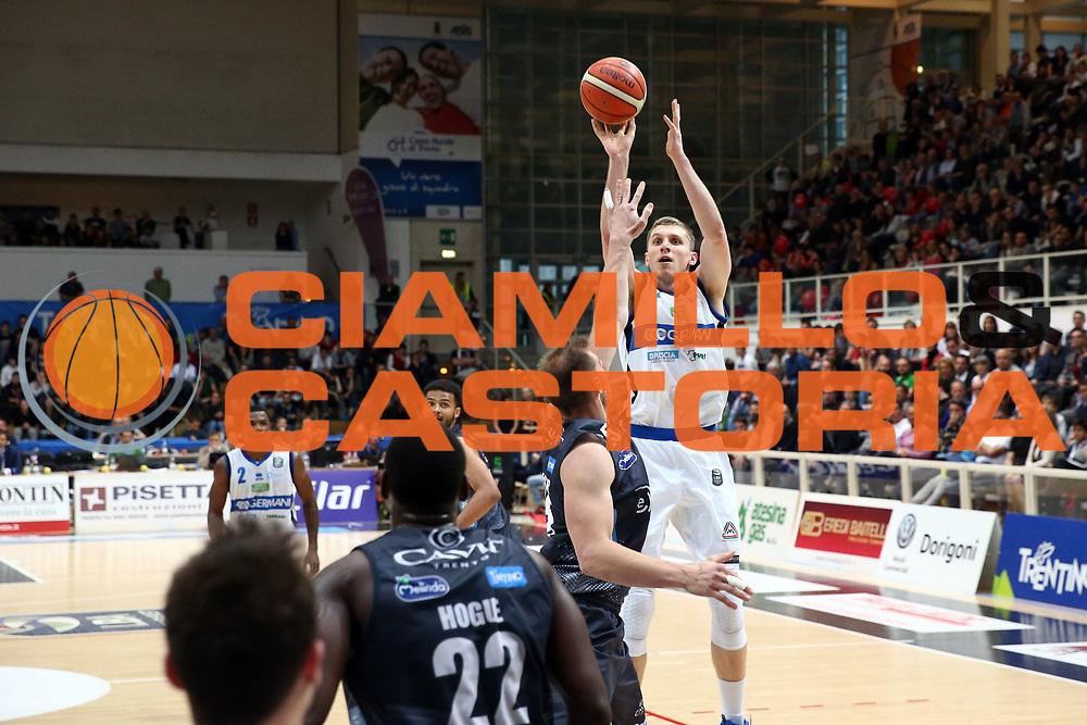 \bs4<br /> Dolomiti Energia Trentino vs Germani Basket Brescia<br /> Lega Basket Serie A 2016/2017<br /> Trento, 23/04/2017<br /> Foto Ciamillo-Castoria/A. Gilardi