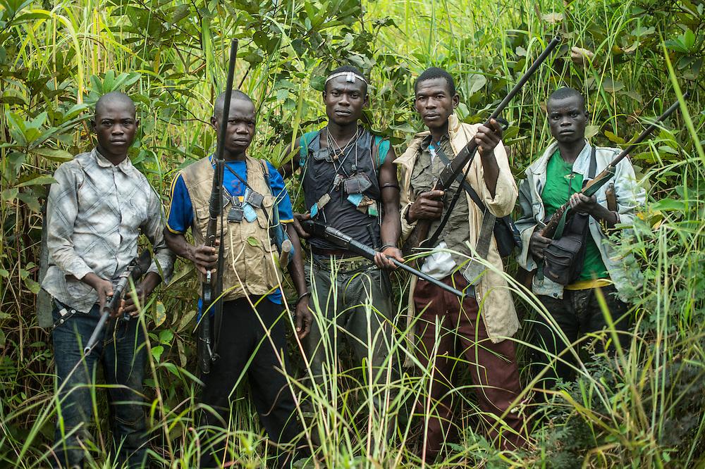 30/09/2013. Bossangoa. Republique Centrafricaine. Anti-Balakas à 30 kilomètres de Bossangoa en direction de Bangui. @Sylvain Cherkaoui/Cosmos