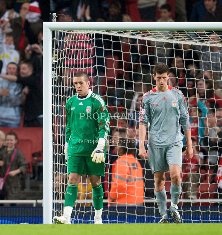 LONDON, ENGLAND - Friday, May 22, 2009: Liverpool's goalkeeper Dean Bouzanis and Daniel Sanchez Ayala look dejected as Arsenal score the third goal during the FA Youth Cup Final 1st Leg match at the Emirates Stadium. (Photo by David Rawcliffe/Propaganda)