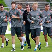 NLD/Katwijk/20110808 - Training Nederlands Elftal voor duel Engeland - Nederland, Hedwiges Maduro, Klaas Jan Huntelaar, Dirk Kuyt, Nigel de Jong, Arjan Robben