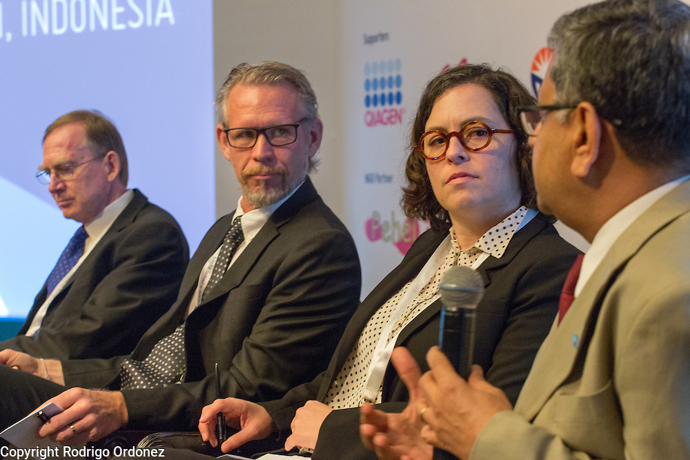 The Chairman of the World Diabetes Foundation, Dr Anil Kapur (right), answers a question at the global summit on diabetes and tuberculosis in Bali, Indonesia, on November 2, 2015.<br /> The increasing interaction of TB and diabetes is projected to become a major public health issue.&nbsp;The summit gathered a hundred public health officials, leading researchers, civil society representatives and business and technology leaders, who committed to take action to stop this double threat. (Photo: Rodrigo Ordonez for The Union)