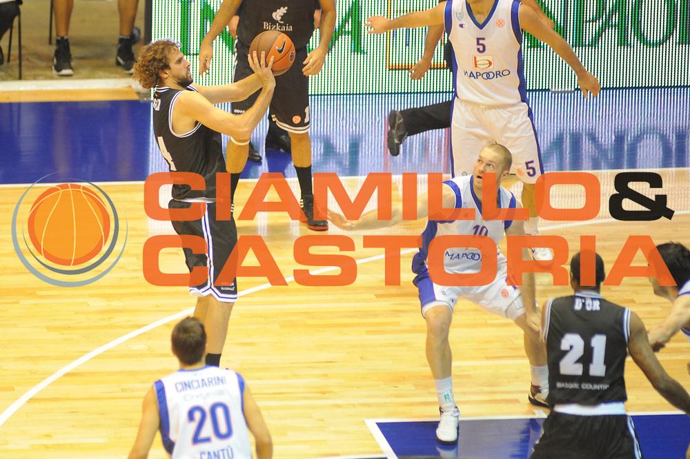 DESCRIZIONE : Desio Eurolega 2011-12 EA7 Bennet Cantu Bizkaia Bilbao Basket<br /> GIOCATORE : Roger Grimau<br /> CATEGORIA : tiro penetrazione<br /> SQUADRA : Bizkaia Bilbao Basket<br /> EVENTO : Eurolega 2011-2012<br /> GARA : Bennet Cantu Bizkaia Bilbao Basket<br /> DATA : 03/11/2011<br /> SPORT : Pallacanestro <br /> AUTORE : Agenzia Ciamillo-Castoria/GiulioCiamillo<br /> Galleria : Eurolega 2011-2012<br /> Fotonotizia : Desio Eurolega 2011-12 Bennet Cantu Bizkaia Bilbao Basket<br /> Predefinita :