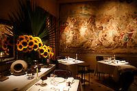 l'Ambroisie, Chef Bernard Pacaud, Place des Vosges, Paris................