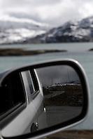 Driving car over Sognafjell - kjøre bil over Sognefjell