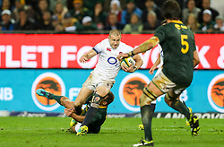 Schalk Brits of South Africa tackling Mike Brown of England- Mandatory by-line: Steve Haag/JMP - 23/06/2018 - RUGBY - DHL Newlands Stadium - Cape Town, South Africa - South Africa v England 3rd Test Match, South Africa Tour
