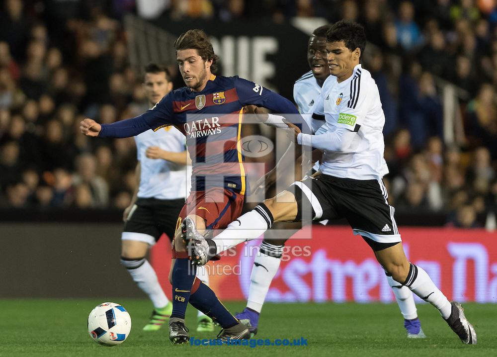Danilo Barbosa of Valencia Club de F&uacute;tbol and Sergi Roberto of FC Barcelona during the Copa Del Rey match at Mestalla, Valencia<br /> Picture by Maria Jose Segovia/Focus Images Ltd +34 660052291<br /> 10/02/2016
