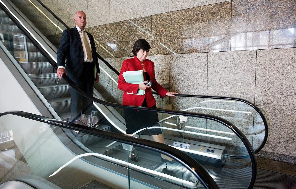 Nederland. Den Haag, 5 juni 2007.<br /> Kamerlid Rita Verdonk heeft nog een bewaker, bodyguard.<br /> Mark Rutte en Rita Verdonk na crisisberaad over uitspraken van Verdonk in HP/De Tijd over leider Rutte. Hij zou niet rechts genoeg zijn.<br /> Foto Martijn Beekman <br /> NIET VOOR TROUW, AD, TELEGRAAF, NRC EN HET PAROOL