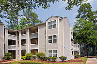 Architectural photography of Windsor Crossing Apartments in Newport News VA by Jeffrey Sauers of Commercial Photographics.