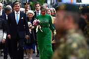 Koning Willem-Alexander, koningin M&aacute;xima en prinses Beatrix woonden maandagavond het traditionele 5 meiconcert bij op de Amstel in Amsterdam.<br /> <br /> King Willem-Alexander, Queen Maxima and Princes  Beatrix attended the traditional 5 meiconcert ( on liberatioon day ) at the Amstel River in Amsterdam.<br /> <br /> Op de foto/ On the photo:  Koning Willem-Alexander en koningin Maxima met prinses Beatrix / King Willem-Alexander and Queen Maxima with princes Beatrix