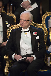Kˆnig Carl XVI Gustaf  bei der Nobelpreisverleihung 2016 in der Konzerthalle in Stockholm / 101216 ***The annual Nobel Prize Award Ceremony at The Concert Hall in Stockholm, December 10th, 2016***