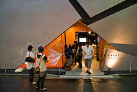 Jimbocho theatre.<br /> Architect: Tomohiko Yamanashi, Nikken Sekkei.