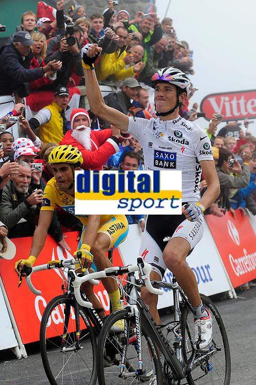 CYCLING - TOUR DE FRANCE 2010 - LA MONGIE (FRA) - 22/07/2010 - PHOTO : VINCENT CURUTCHET / DPPI - <br /> STAGE 17 - PAU > COL DU TOURMALET - ANDY SCHLECK (LUX) / SAXO BANK / WINNER AND ALBERTO CONTADOR (ESP) / ASTANA / LEADER