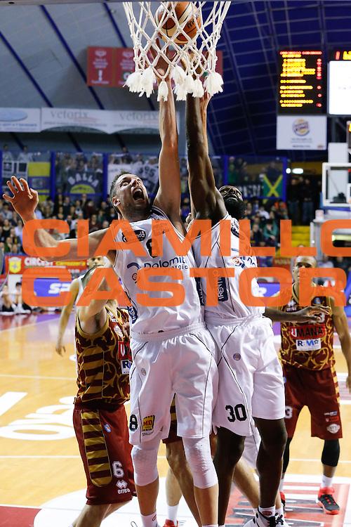DESCRIZIONE : Venezia Lega A 2015-16 Umana Reyer Venezia Dolomiti Energia Trentino<br /> GIOCATORE : Filippo Baldi Rossi Julian Wright<br /> CATEGORIA : Rimbalzo<br /> SQUADRA : Umana Reyer Venezia Dolomiti Energia Trentino<br /> EVENTO : Campionato Lega A 2015-2016<br /> GARA : Umana Reyer Venezia Dolomiti Energia Trentino<br /> DATA : 28/12/2015<br /> SPORT : Pallacanestro <br /> AUTORE : Agenzia Ciamillo-Castoria/G. Contessa<br /> Galleria : Lega Basket A 2015-2016 <br /> Fotonotizia : Venezia Lega A 2015-16 Umana Reyer Venezia Dolomiti Energia Trentino