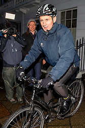 © Licensed to London News Pictures. 16/01/2017. London, UK. Health Secretary JEREMY HUNT leaves his London home on Monday, 16 January 2016. Mr Hunt is reportedly make profit of more than £15m from an education business he helped set in 1996. Photo credit: Tolga Akmen/LNP