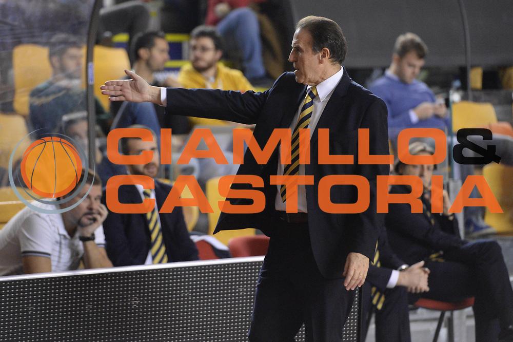 DESCRIZIONE : Campionato 2013/14 Acea Virtus Roma - Sutor Montegranaro<br /> GIOCATORE : Carlo Recalcati<br /> CATEGORIA : Allenatore Coach Cambio Delusione<br /> SQUADRA : Sutor Montegranaro<br /> EVENTO : LegaBasket Serie A Beko 2013/2014<br /> GARA : Acea Virtus Roma - Sutor Montegranaro<br /> DATA : 18/01/2014<br /> SPORT : Pallacanestro <br /> AUTORE : Agenzia Ciamillo-Castoria / GiulioCiamillo<br /> Galleria : LegaBasket Serie A Beko 2013/2014<br /> Fotonotizia : Campionato 2013/14 Acea Virtus Roma - Sutor Montegranaro<br /> Predefinita :
