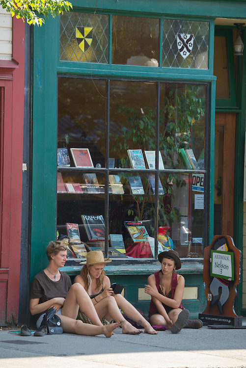 Canada, British Columbia,Nelson, Baker street, bookstore, kids in front of