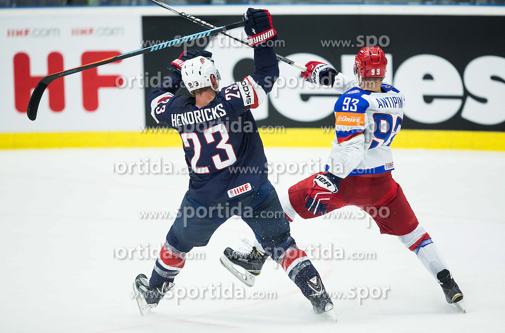 04.05.2015, CEZ Arena, Ostrava, CZE, IIHF, WM, Russland vs USA, Gruppenphase, im Bild Matt Hendricks of USA vs Viktor Antipin of Russia // during the IIHF Icehockey World Championships Groupstage Match between Russia and USA at the CEZ Arena in Ostrava, Czech Republic on 2015/05/04. EXPA Pictures &copy; 2015, PhotoCredit: EXPA/ Sportida/ Vid Ponikvar<br /> <br /> *****ATTENTION - OUT of SLO, FRA*****