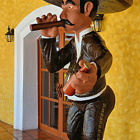 Buying Cigars at Riviera Maya, Mexico<br />