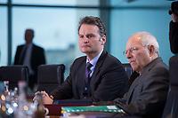 13 JAN 2016, BERLIN/GERMANY:<br /> Guenter Krings (L), CDU, Parl. Staatssekretaer im Bundesinnenministerium, und Wolfgang Schaeuble (R), CDU, Bundesfinanzminister, vor Beginn einer Kabinettsitzung, Budneskanzleramt<br /> IMAGE: 20160113-01-011<br /> KEYWORDS: Kabinett, Sitzung, G&uuml;nter Krings, Wolfgang Sch&auml;uble