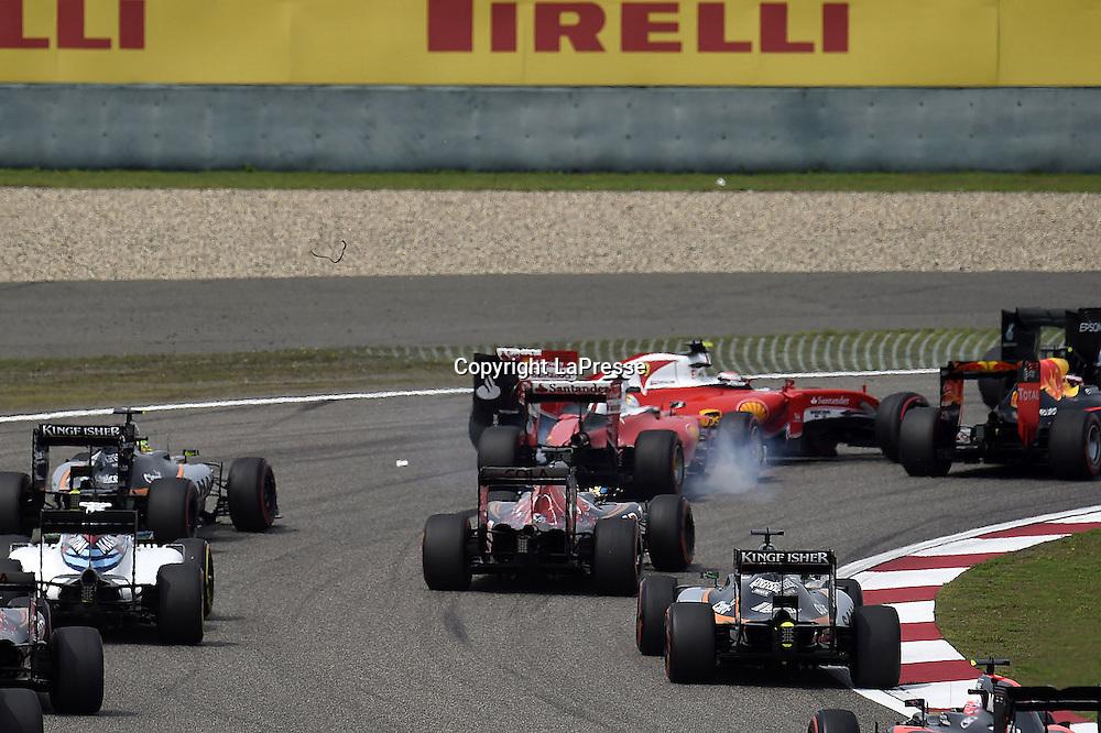 &copy; Photo4 / LaPresse<br /> 17/04/2016 Shanghai, China<br /> Sport <br /> Grand Prix Formula One China 2016<br /> In the pic: Crash, Sebastian Vettel (GER) Scuderia Ferrari SF16-H and Kimi Raikkonen (FIN) Scuderia Ferrari SF16-H
