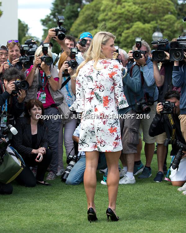 Angelique Kerber mit Pokal im Government House, Australian Open 2016<br /> <br /> Tennis - Australian Open 2016 - Grand Slam ITF / ATP / WTA -  Melbourne Park - Melbourne - Victoria - Australia  - 31 January 2016.