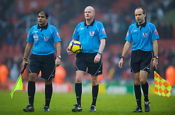 STOKE, ENGLAND - Saturday, January 16, 2010: Referee Lee Mason, who rufused to to give Liverpool a blatent penalty during the Premiership match against Stoke City at the Britannia Stadium. (Photo by David Rawcliffe/Propaganda)