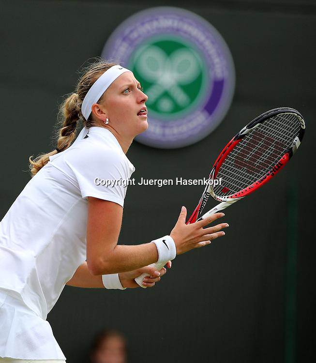 Wimbledon Championships 2014, AELTC,London,<br /> ITF Grand Slam Tennis Tournament,<br /> Petra Kvitova  (CZE),Aktion,Einzelbild,<br /> Halbkoerper,Hochformat,