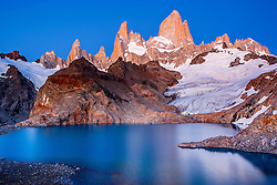 Laguna de los Tres and Mount Fitzroy with adjacent peaks, one of the most popular hiking destinations in this national park, Parque Nacional los Glaciares, Patagonia, Argentina, South America