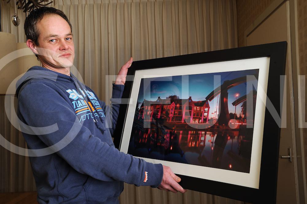VROOMSHOOP - winnaar fotowedstrijd.Rene Alberts met zijn winnende foto..Editie: west.ffu press agency©2010frank uijlenbroek.TT2010.