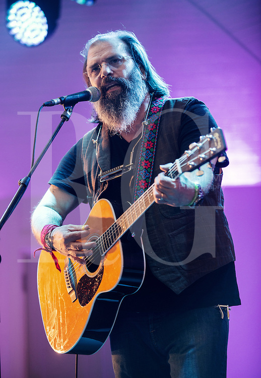 Steve Earle performs on stage at Magners Summer Nights at Kelvingrove Bandstand on August 7, 2014 in Glasgow, United Kingdom. (Photo by Ross Gilmore