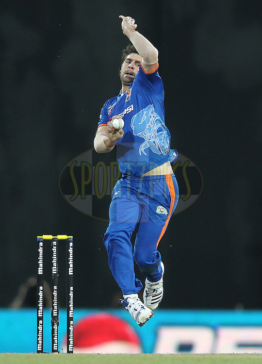 Colin de Grandhomme of Nagenahira Nagas sends down a delivery during match 21 of the Sri Lankan Premier League between Uva Next and Nagenahiras held at the Premadasa Stadium in Colombo, Sri Lanka on the 27th August 2012. .Photo by Shaun Roy/SPORTZPICS/SLPL