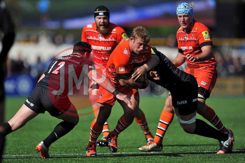Tom Youngs of Leicester Tigers takes on the Saracens defence - Photo mandatory by-line: Patrick Khachfe/JMP - Mobile: 07966 386802 11/04/2015 - SPORT - RUGBY UNION - London - Allianz Park - Saracens v Leicester Tigers - Aviva Premiership