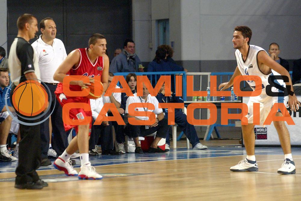 DESCRIZIONE : MAR DEL PLATA FIBA UNDER 21 WORLD CHAMPIONSHIP FOR MEN CAMPIONATO DEL MONDO UNDER 21 MASCHILE<br />GIOCATORE : GALINDO<br />SQUADRA : PORTORICO<br />EVENTO : UNDER 21 WORLD CHAMPIONSHIP FOR MAN CAMPIONATO DEL MONDO UNDER 21 MASCHILE<br />GARA : PUERTO RICO-GRECIA<br />DATA : 12/08/2005<br />CATEGORIA : Palleggio<br />SPORT : Pallacanestro<br />AUTORE : AGENZIA CIAMILLO &amp; CASTORIA/M.Ciamillo