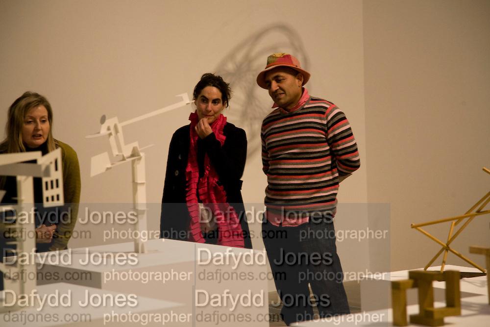 EMILIA IZQUIERDO; OSWALDO MACIA, Rodchenko and Popova: Defining Constructivism. Tate Modern. London. 10 February 2009 *** Local Caption *** -DO NOT ARCHIVE -Copyright Photograph by Dafydd Jones. 248 Clapham Rd. London SW9 0PZ. Tel 0207 820 0771. www.dafjones.com<br /> EMILIA IZQUIERDO; OSWALDO MACIA, Rodchenko and Popova: Defining Constructivism. Tate Modern. London. 10 February 2009