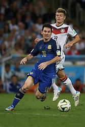 13.07.2014, Maracana, Rio de Janeiro, BRA, FIFA WM, Deutschland vs Argentinien, Finale, im Bild vl. Lionel Messi (ARG) und Toni Kroos (GER) // during Final match between Germany and Argentina of the FIFA Worldcup Brazil 2014 at the Maracana in Rio de Janeiro, Brazil on 2014/07/13. EXPA Pictures © 2014, PhotoCredit: EXPA/ Eibner-Pressefoto/ Cezaro<br /> <br /> *****ATTENTION - OUT of GER*****