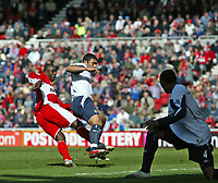 Photo: Andrew Unwin.<br />Middlesbrough v West Ham United. The Barclays Premiership. 17/04/2006.<br />Middlesbrough's Jimmy Floyd Hasselbaink (L) fires home his team's first goal.