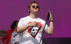 © Licensed to London News Pictures. 29/06/2019. Glastonbury , UK. Lewis Capaldi mocks Noel Gallagaher at Glastonbury Festival in Somerset. Photo credit: Jason Bryant/LNP