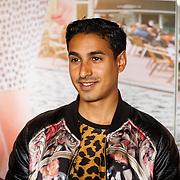 """NLD/Amsterdam/20150515 - Castpresentatie nieuwe film van Johan Nijenhuis  """"Rokjesdag"""", Hassan Salah Slaby"""