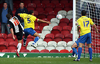 Photo: Paul Thomas.<br /> Grimsby Town v Hereford United. Coca Cola League 2. 08/10/2006.<br /> <br /> Gary Jones (19) of Grimsby scores.