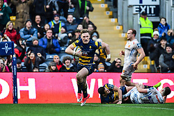 Tom Howe of Worcester Warriors runs in a try - Mandatory by-line: Craig Thomas/JMP - 27/01/2018 - RUGBY - Sixways Stadium - Worcester, England - Worcester Warriors v Exeter Chiefs - Anglo Welsh Cup