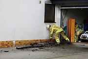 Mannheim. 23.02.17   BILD- ID 054  <br /> Schönau. Brand im Mehrfamilienhaus. Bei dem Brand in einem Vierfamilienhaus am Donnerstagnachmittag auf der Schönau ist ein geschätzter Schaden von rund 300 000 Euro entstanden. Das Feuer war im ersten Obergeschoss ausgebrochen und hatte auf das Dachgeschoss übergegriffen, teilte die Polizei mit. Die Bewohner konnten das Haus im Ludwig-Neischwander-Weg rechtzeitig verlassen. Verletzt wurde bei dem Brand niemand. Die Feuerwehr brachte den Brand unter Kontrolle. Die Brandursache ist noch nicht bekannt.<br /> Bild: Markus Prosswitz 23FEB17 / masterpress (Bild ist honorarpflichtig - No Model Release!)