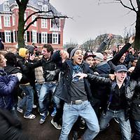 Nederland, Amsterdam , 21 december 2011..Amsterdam, 21 december 2011 – Het Landelijk Aktie Komitee (LAKS) heeft vanmiddag met groot succes een staking van 10.000 scholieren georganiseerd. De scholieren demonstreerden tegen de ophokuren die met het huidige wetsvoorstel onderwijstijd alleen maar zullen toenemen..Foto:Jean-Pierre Jans