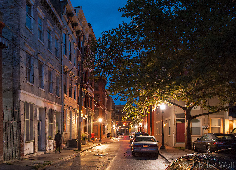 Sidestreets in Over-the-Rhine at night