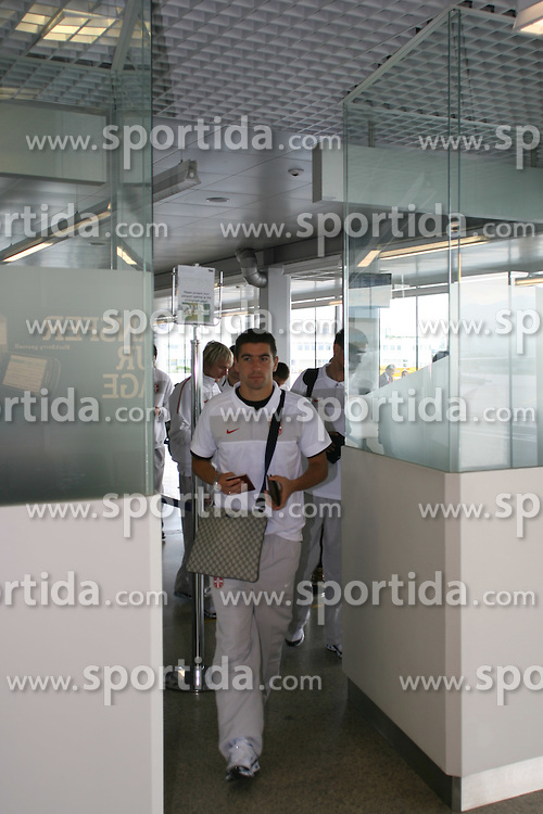 25.05.2010, Airport Salzburg, Salzburg, AUT, WM Vorbereitung, Serbien Ankunft im Bild Passkontrolle, Nationalteam Serbien, EXPA Pictures © 2010, PhotoCredit EXPA R. Hackl / SPORTIDA PHOTO AGENCY