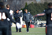 CINCINNATI, OH - DECEMBER 17: Cincinnati Bengals head coach Marvin Lewis talks to offensive coordinator Hue Jackson during practice on December 17, 2015 in Cincinnati, Ohio. (Photo by Joe Robbins)