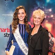 NLD/Amsterdam/20161024 - Premiere Hartenstrijd, Zoey Ivory en haar moeder